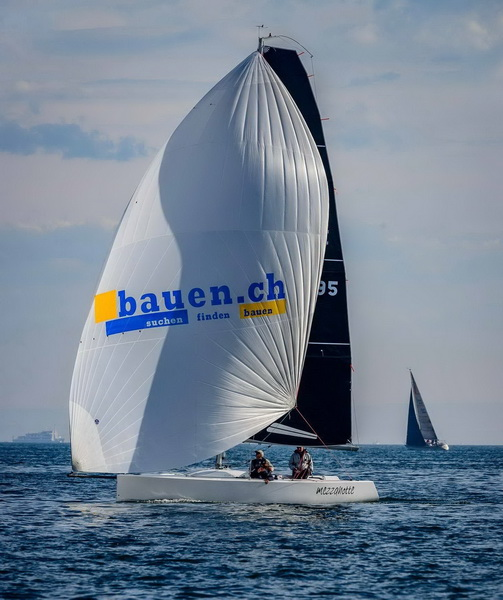 ++++ U P D A T E  zu: ++++Sailing Team bauen.ch in Lauerposition